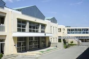 泉丘中学校(約1,600m 徒歩約20分)